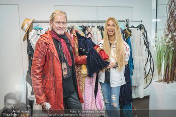 DAC Kalendershooting - BMW Wien Heiligenstadt - Mo 19.10.2020 - Johnny LOGAN, Yvonne RUEFF34