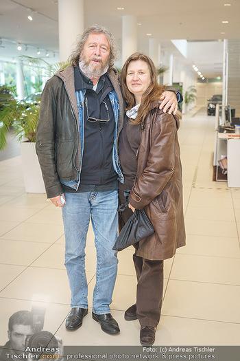 DAC Kalendershooting - BMW Wien Heiligenstadt - Mo 19.10.2020 - Peter CORNELIUS mit Ehefrau Ulrike66