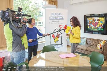 Lugners spenden Putzmittel - Kinderhilfehaus Wien - Di 20.10.2020 - 29
