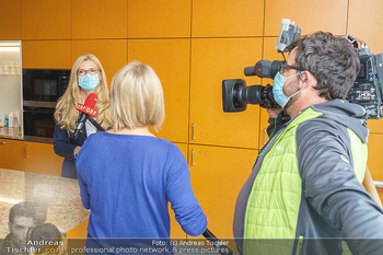 Lugners spenden Putzmittel - Kinderhilfehaus Wien - Di 20.10.2020 - 36