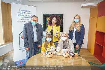 Lugners spenden Putzmittel - Kinderhilfehaus Wien - Di 20.10.2020 - 37