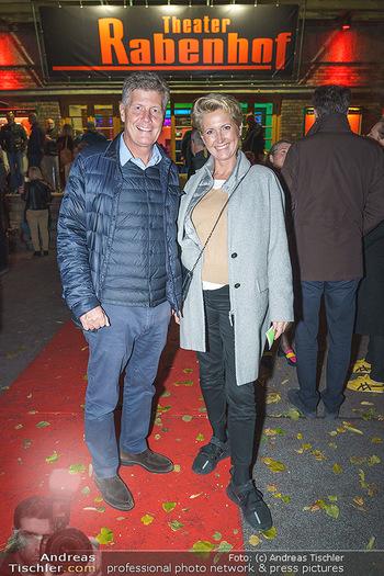 Premiere ´Der Herr Karl´ - Rabenhof Theater, Wien - Di 20.10.2020 - Martina und Kari HOHENLOHE15