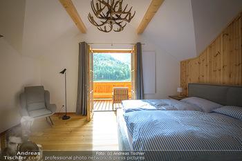 Neue Chalets am Schneeberg - Puchberg am Schneeberg - Fr 23.10.2020 - Ausblick vom Schlafzimmer, Holz, Wärme, Betten, hell auf Balkon14