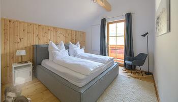 Neue Chalets am Schneeberg - Puchberg am Schneeberg - Fr 23.10.2020 - gemütliches Schlafzimmer, Holz, Wärme, Betten, hell35