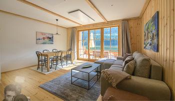 Neue Chalets am Schneeberg - Puchberg am Schneeberg - Fr 23.10.2020 - Wohnraum Wohnzimmer Terrasse living modern Esstisch Kamin Holz g37