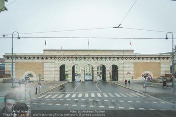 Big Bus Citytour - Wien - So 25.10.2020 - Helentor Heldenplatz menschenleer Torbogen Wien Zentrum12