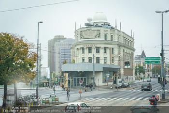 Big Bus Citytour - Wien - So 25.10.2020 - Urania in Wien, Straße, neblig18