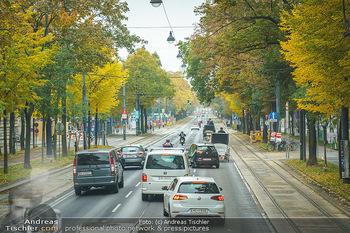 Big Bus Citytour - Wien - So 25.10.2020 - Verkehr auf Ringstraße Schubertring, Stau wegen Fiaker, Fahrspu19