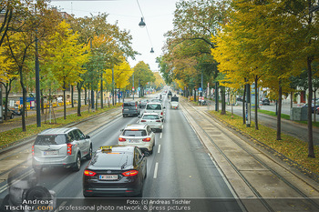 Big Bus Citytour - Wien - So 25.10.2020 - Verkehr auf Ringstraße Schubertring, Stau wegen Fiaker, Fahrspu20