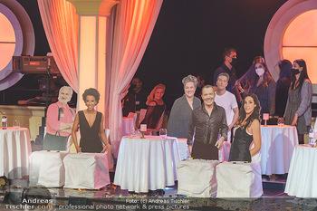 Dancing Stars 2020 Finale - ORF Zentrum - Fr 27.11.2020 - Pappfiguren als Zuschauer wegen Coronapandemie im Ballroom4