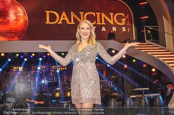 Dancing Stars 2020 Finale - ORF Zentrum - Fr 27.11.2020 - Maria SANTNER20