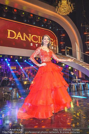Dancing Stars 2020 Finale - ORF Zentrum - Fr 27.11.2020 - Kristina INHOF32