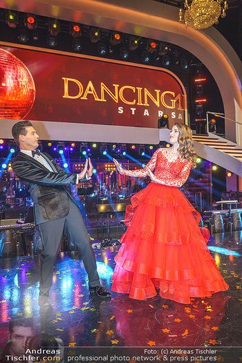 Dancing Stars 2020 Finale - ORF Zentrum - Fr 27.11.2020 - Kristina INHOF, Norbert OBERHAUSER34