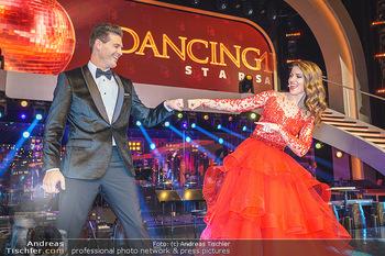 Dancing Stars 2020 Finale - ORF Zentrum - Fr 27.11.2020 - Kristina INHOF, Norbert OBERHAUSER36