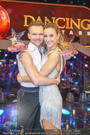 Dancing Stars 2020 Finale - ORF Zentrum - Fr 27.11.2020 - Michi Michaela KIRCHGASSER, Vadim GARBUZOV59