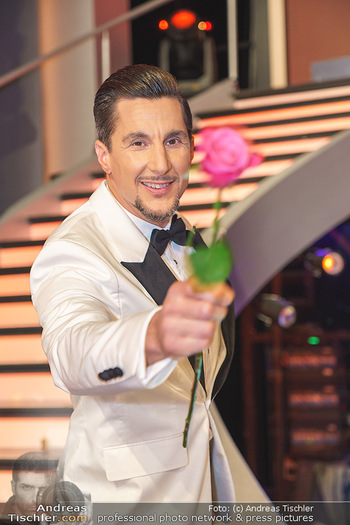 Dancing Stars 2020 Finale - ORF Zentrum - Fr 27.11.2020 - Balasz EKKER (Portrait mit Rose)65