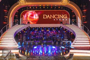 Dancing Stars 2020 Finale - ORF Zentrum - Fr 27.11.2020 - Bühne, Dancings-Stars Ballroom, Show, Orchesterbereich, Stufen,86
