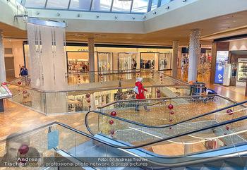Corona Lokalaugenschein Fischapark - Fischapark Wr. Neustadt - Di 08.12.2020 - leeres Einkaufszentrum, nichts los, keine Kunden am späten Vorm16