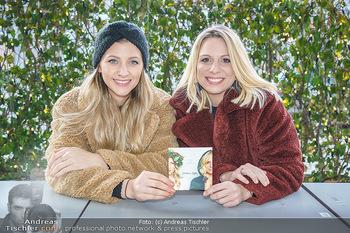 X-Mas Shooting mit Chrissi Klug - Innenstadt - Di 15.12.2020 - Christina Chrissi KLUG, Sandra POLT4