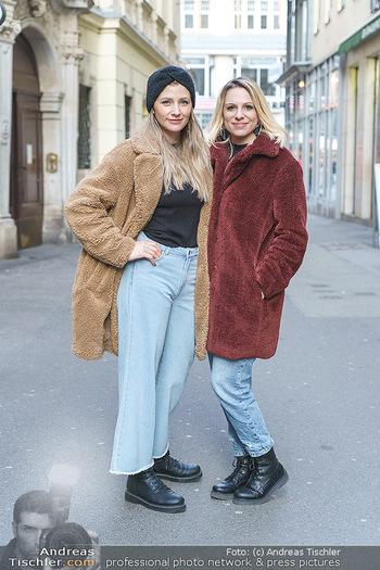 X-Mas Shooting mit Chrissi Klug - Innenstadt - Di 15.12.2020 - Christina Chrissi KLUG, Sandra POLT16