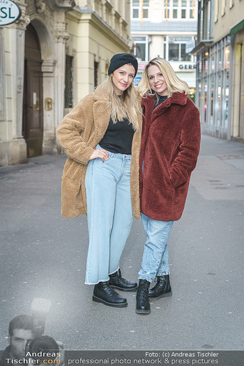 X-Mas Shooting mit Chrissi Klug - Innenstadt - Di 15.12.2020 - Christina Chrissi KLUG, Sandra POLT17