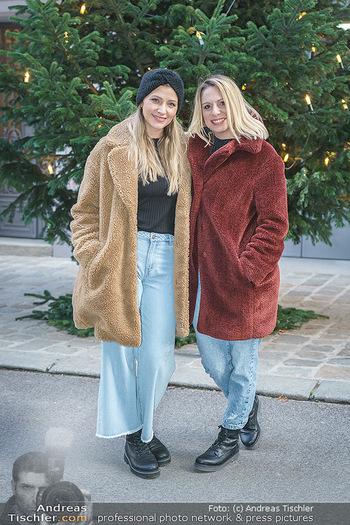 X-Mas Shooting mit Chrissi Klug - Innenstadt - Di 15.12.2020 - Christina Chrissi KLUG, Sandra POLT22