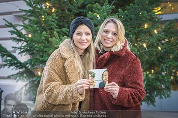 X-Mas Shooting mit Chrissi Klug - Innenstadt - Di 15.12.2020 - Christina Chrissi KLUG, Sandra POLT23