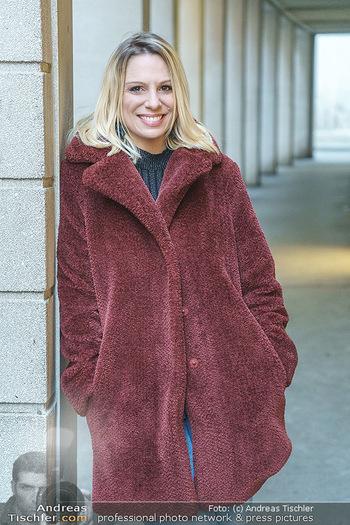 X-Mas Shooting mit Chrissi Klug - Innenstadt - Di 15.12.2020 - Sandra POLT (Portrait)30