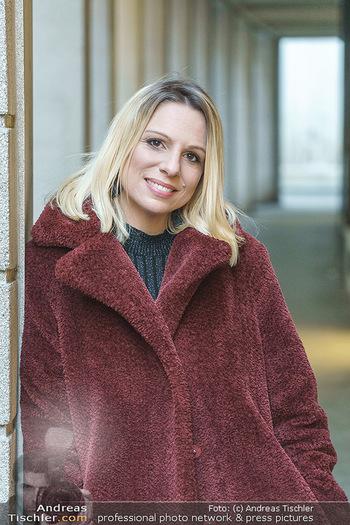 X-Mas Shooting mit Chrissi Klug - Innenstadt - Di 15.12.2020 - Sandra POLT (Portrait)32