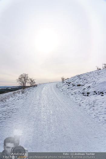 Spaziergang mit Kristina Inhof - Perchtoldsdorfer Heide - Di 19.01.2021 - Winterlandschaft, Piste, Skipiste, Sonne, eisig, Gehweg, gefrore7