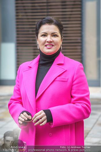Anna Netrebko bei den Lipizzanern - Spanische Hofreitschule - Stallburg Wien - Di 02.02.2021 - Anna NETREBKO (Portrait)43