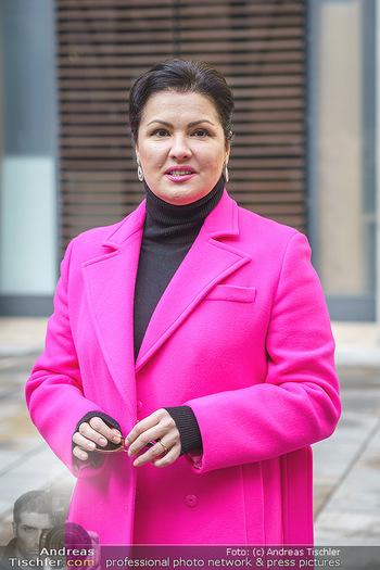 Anna Netrebko bei den Lipizzanern - Spanische Hofreitschule - Stallburg Wien - Di 02.02.2021 - Anna NETREBKO (Portrait)44