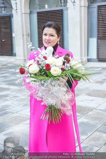 Anna Netrebko bei den Lipizzanern - Spanische Hofreitschule - Stallburg Wien - Di 02.02.2021 - Anna NETREBKO60