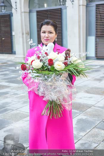 Anna Netrebko bei den Lipizzanern - Spanische Hofreitschule - Stallburg Wien - Di 02.02.2021 - Anna NETREBKO61