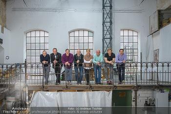 Fotoshooting zu Ladies Night - Kunsthalle Berndorf, NÖ - Di 09.02.2021 - Gruppenfoto Darsteller (Kristina SPRENGER, Christoph FÄLBL, Mic40