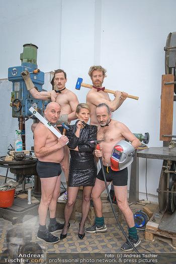 Fotoshooting zu Ladies Night - Kunsthalle Berndorf, NÖ - Di 09.02.2021 - Kristina SPRENGER, Christoph FÄLBL, Thomas HÖFNER, Martin BERM74