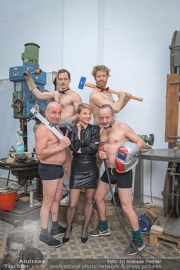 Fotoshooting zu Ladies Night - Kunsthalle Berndorf, NÖ - Di 09.02.2021 - Kristina SPRENGER, Christoph FÄLBL, Thomas HÖFNER, Martin BERM75