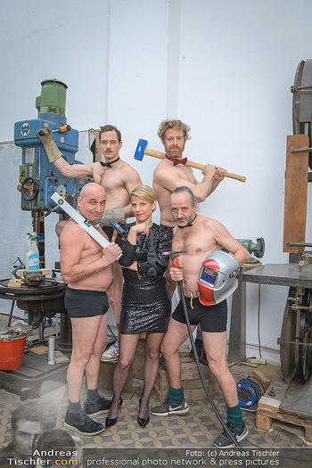 Fotoshooting zu Ladies Night - Kunsthalle Berndorf, NÖ - Di 09.02.2021 - Kristina SPRENGER, Christoph FÄLBL, Thomas HÖFNER, Martin BERM76