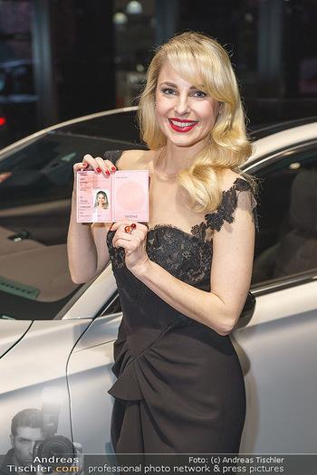 Botschafter für ´die Göttliche´ - PSA Retail, Wien - Do 11.03.2021 - Silvia SCHNEIDER (Portrait mit ihrem Führerschein)12