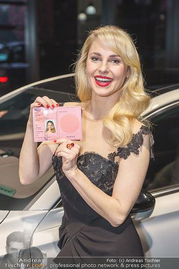 Botschafter für ´die Göttliche´ - PSA Retail, Wien - Do 11.03.2021 - Silvia SCHNEIDER (Portrait mit ihrem Führerschein)13