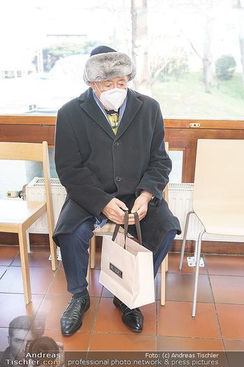 Richard Lugner Covid-19 Impfung - VHS Donaustadt, Wien - Di 16.03.2021 - Richard LUGNER nach der Impfung mit BionTech-Pfizer28