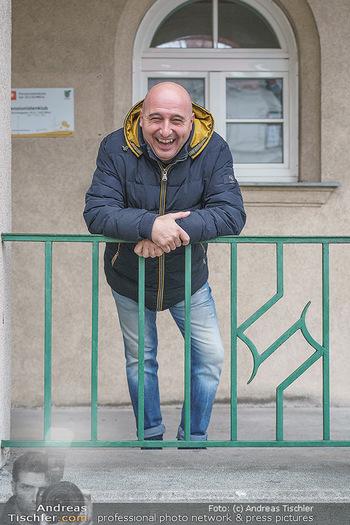 Spaziergang mit C... F... - Döbling, Wien - Di 23.03.2021 - Christoph FÄLBL (Portrait, herzhaft lachen, lacht)9