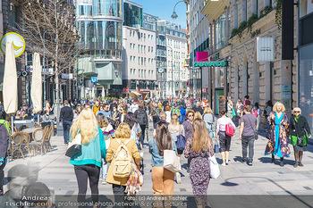 Lokalaugenschein Wien - Wien - Di 30.03.2021 - Menschenmassen kurz vor Ostern Lockdown, Einkaufsstraße, Shoppi39