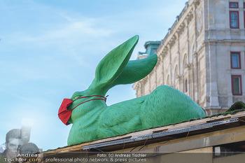 Lokalaugenschein Wien - Wien - Di 30.03.2021 - Osterhase mit Maske Symbol auf Dach des Würstelstandes Bizinger53