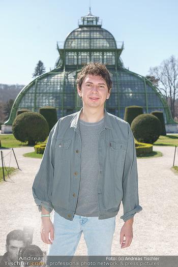 Spaziergang mit Julian Le Play - Schönbrunn, Wien - Mi 31.03.2021 - Julian LE PLAY (Julian Heidrich) (Portrait)4