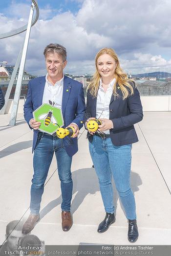 BioBienenApfel PK - MQ Libelle - Mi 07.04.2021 - Manfred HOHENSINNER mit Tochter Katrin70