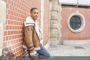 Spaziergang mit Cesar Sampson - Burggarten, Wien - Do 08.04.2021 - Cesar SAMPSON1