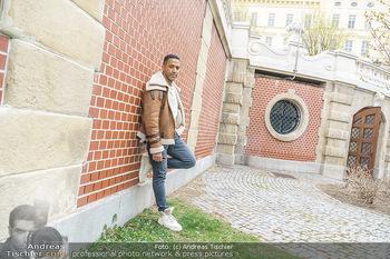 Spaziergang mit Cesar Sampson - Burggarten, Wien - Do 08.04.2021 - Cesar SAMPSON18