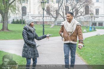 Spaziergang mit Cesar Sampson - Burggarten, Wien - Do 08.04.2021 - Cesar SAMPSON interviewt von Romina COLERUS im Schneegestöber22