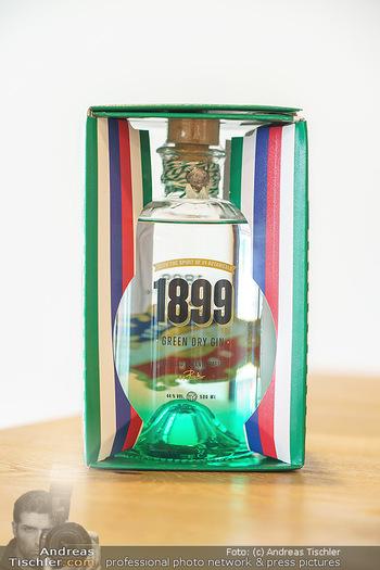 Dorfmeister Gin Präsentation - Weststadtion, Wien - Do 08.04.2021 - div. Rick Spirit Gin Flasche4